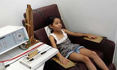 Bioresonance therapy in progress